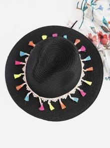 Chapeau de paille avec des franges