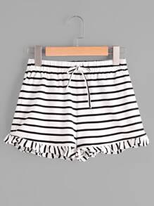 Shorts à rayures avec des plis et un lacet