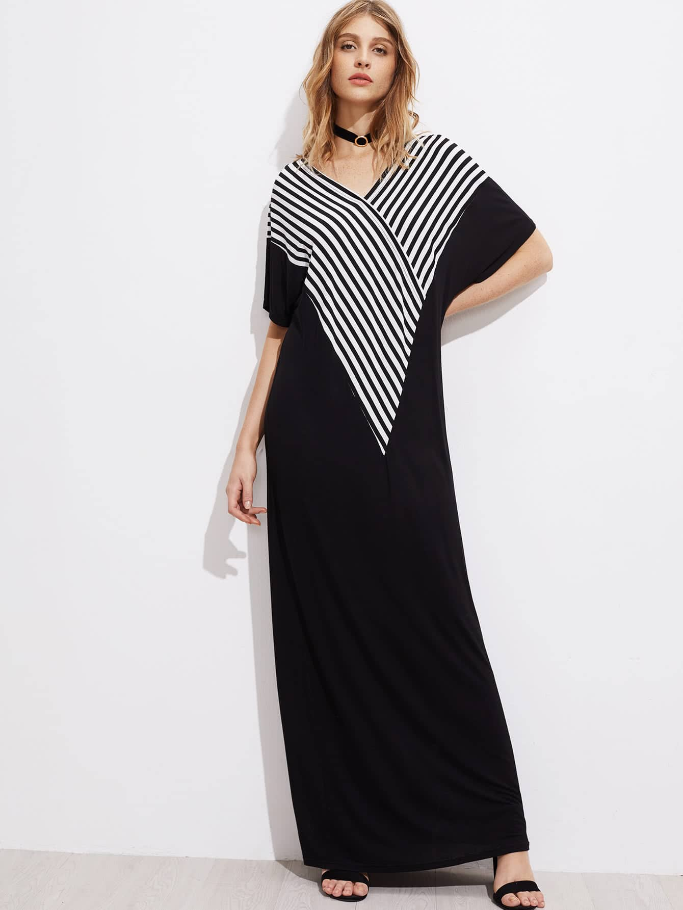 Фото V-neckline Striped Panel Kaftan Dress. Купить с доставкой