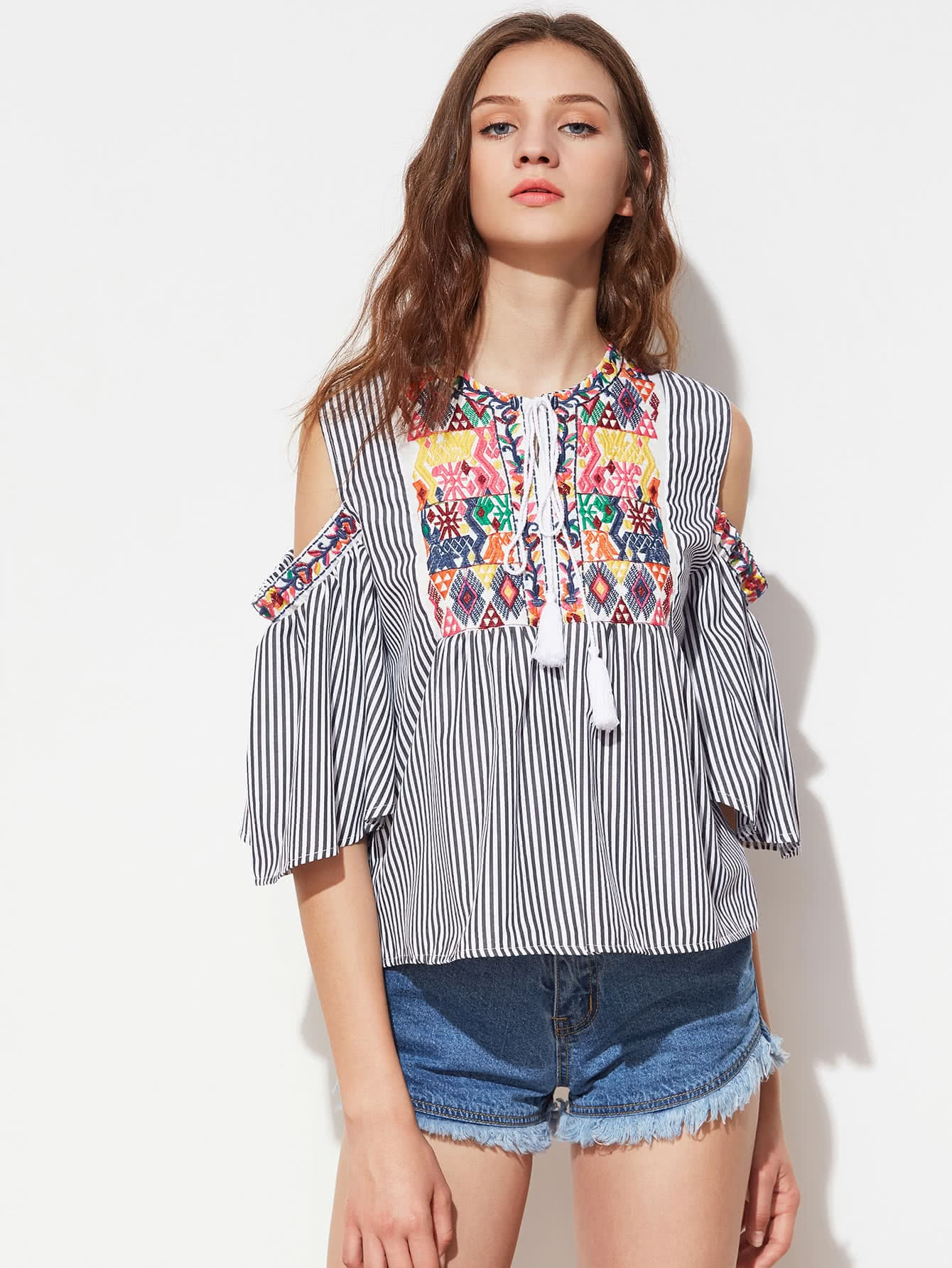 Фото Embroidery Open Shoulder Tassel Tie Top. Купить с доставкой