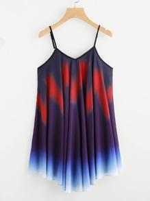 Модное асимметричное платье на бретельках