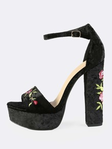 Embroidered Velvet Platform Heels BLACK