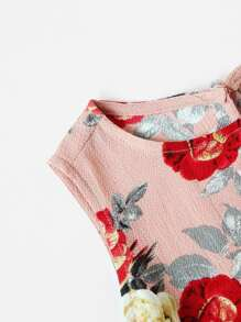 Open Shoulder Floral Top With Ruffle Trim Wrap Shorts pictures