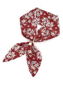 Модный шарф с принтом и бусиной