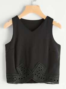 V Neckline Contrast Crochet Hem Tank Top