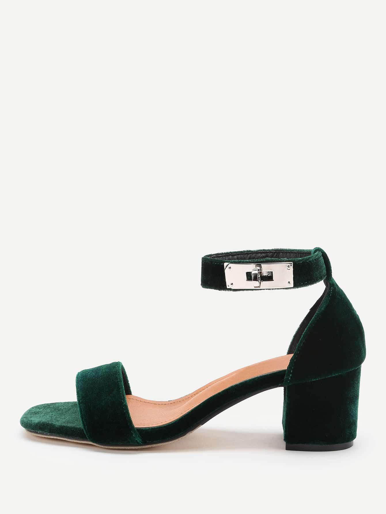 Фото Twist Lock Decorated Two Part Block Heeled Sandals. Купить с доставкой
