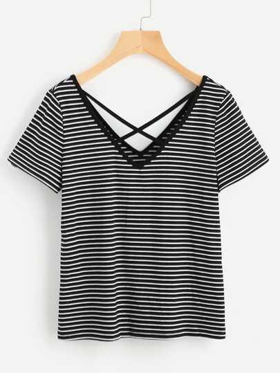 Camiseta escote V doble de tiras cruzadas de rayas