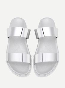 Sandales à bretelle métallique