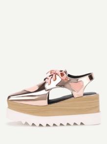Shaussures Détail de découpage de motif de coeur