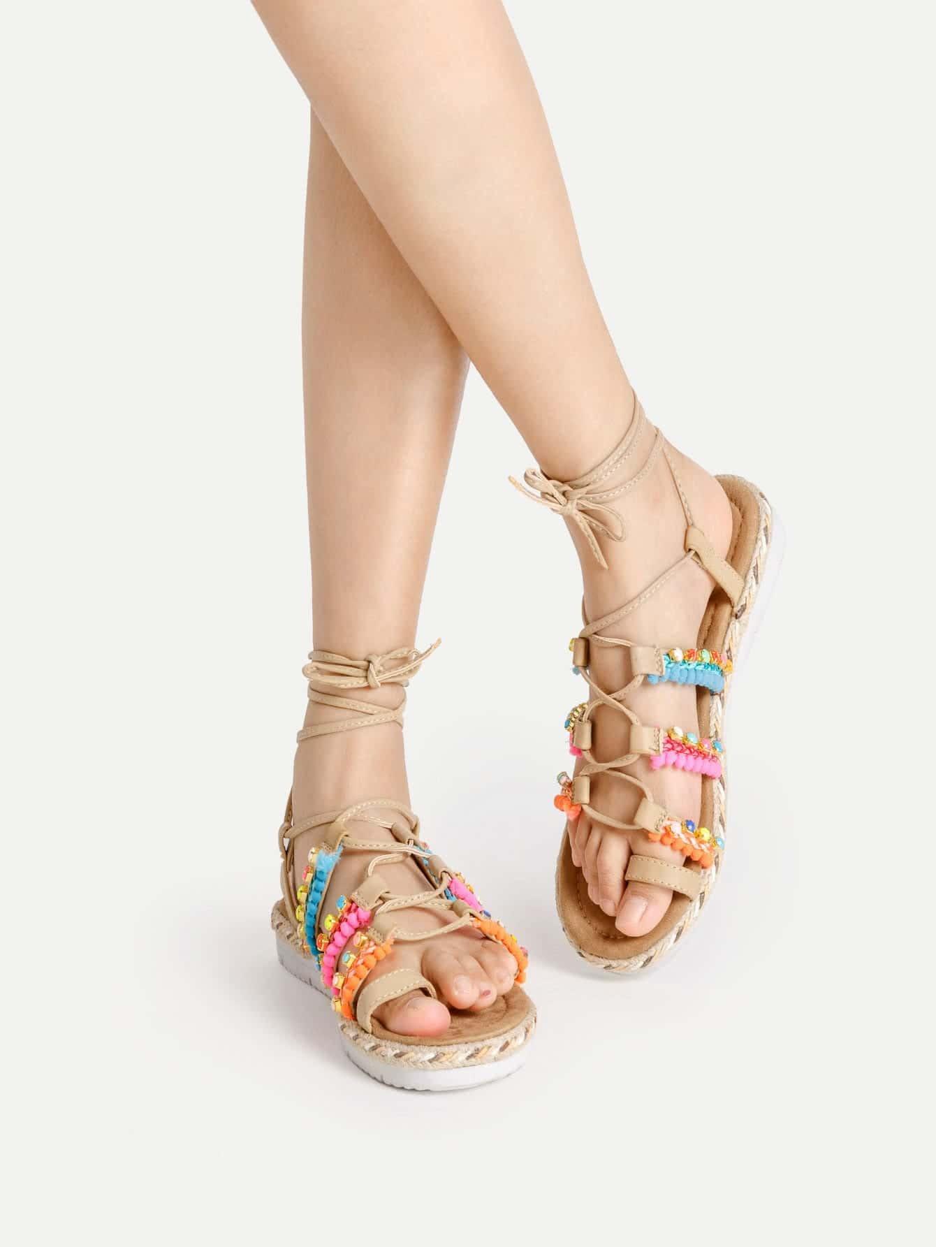 Фото Pom Pom Decorated Flat Sandals. Купить с доставкой