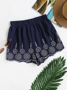 Shorts mit elastischer Taille, Geo Stickereien und Muschelsaum