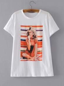 T-Shirt mit Schönheitmuster und Kurzärmeln
