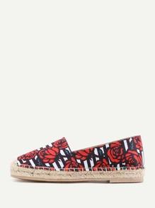 Chaussures de toile imprimées des roses et des rayures