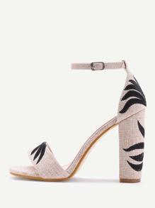 Sandales brodé en lin à talons hauts en deux parties