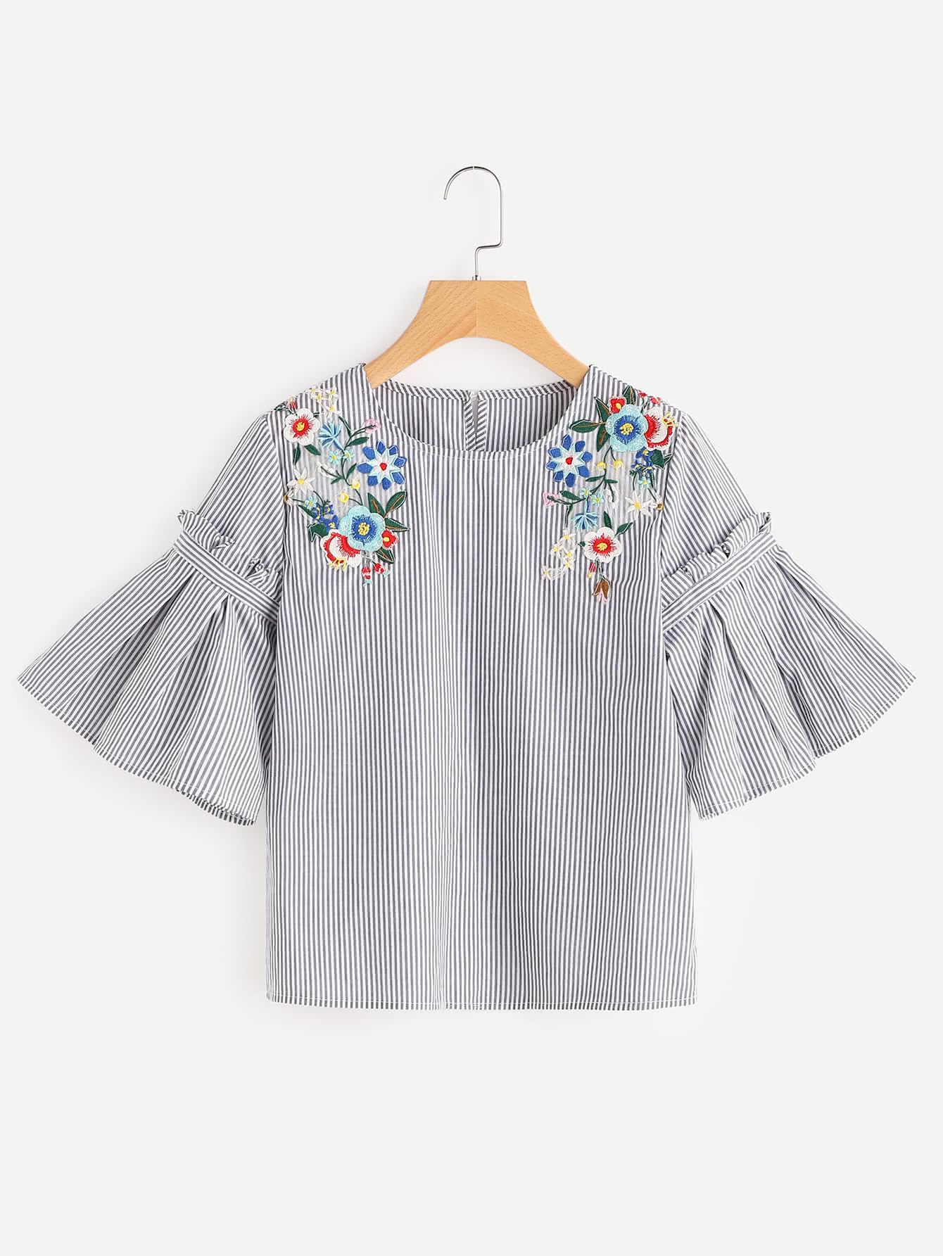 Фото Embroidered Flower Applique Pleated Bell Sleeve Top. Купить с доставкой