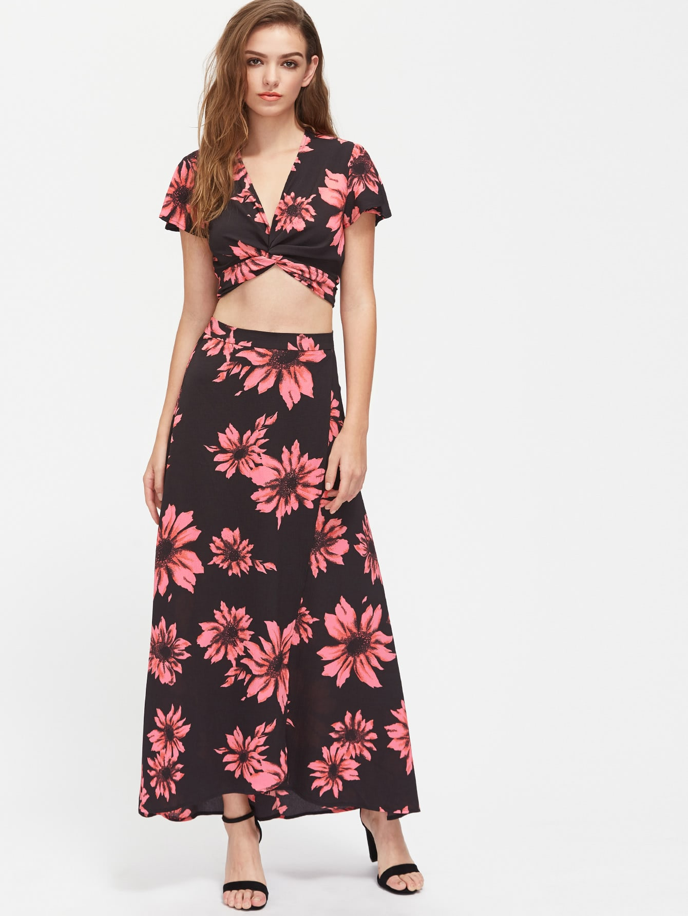 Фото Flower Print Twist Wrap Top And Slit Skirt Co-Ord. Купить с доставкой