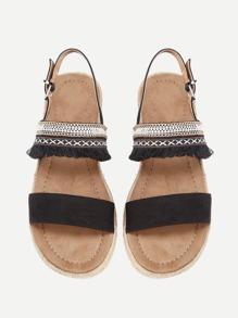 Sandali con dettaglio di frange