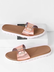 Sandales métallique avec des boucles