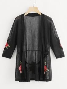 Kimono in chiffon con toppa di rosa