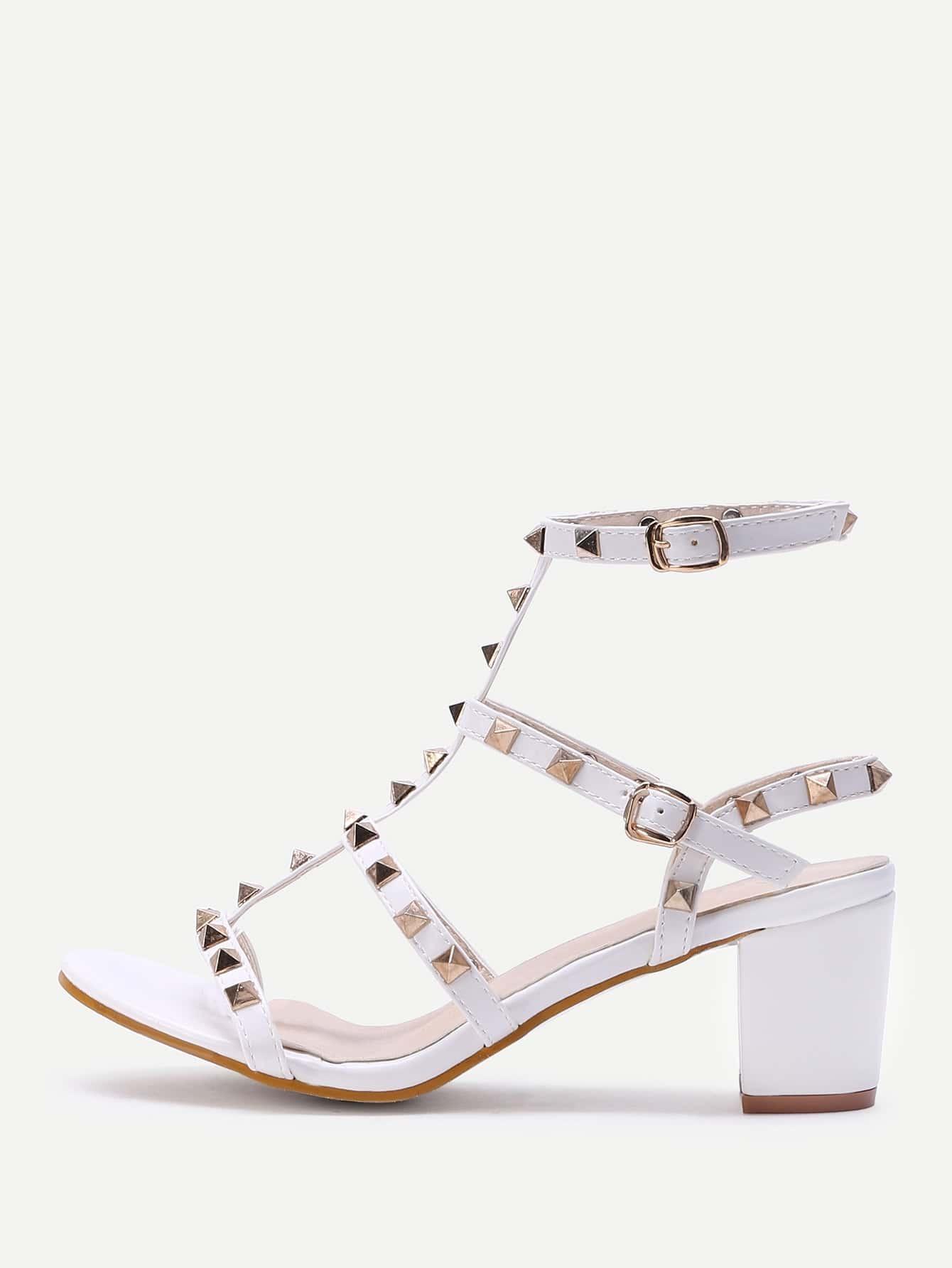 Фото Rockstud Embellished Block Heeled Sandals. Купить с доставкой