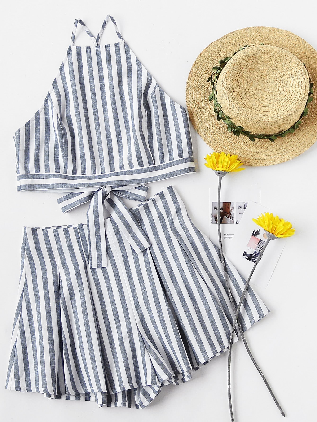 Фото Crisscross Tie Back Striped Cami Top And Pleated Shorts Set. Купить с доставкой
