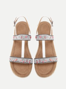 Sandales à fond plat à bretelle