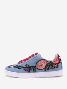 Scarpe da ginnastica di jeans con laccetti e ricamo di fiore
