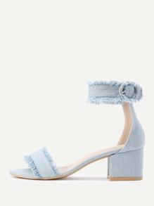Sandales à talons découpé en denim