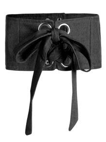 Cinturón ancho con cordones en la parte delantera