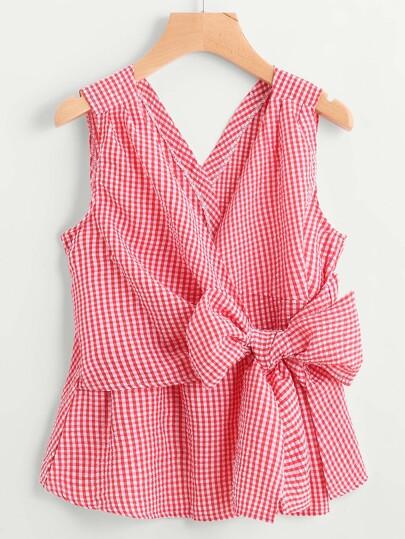 Bluse mit V-Ausschnitt und Schleife um die Taille