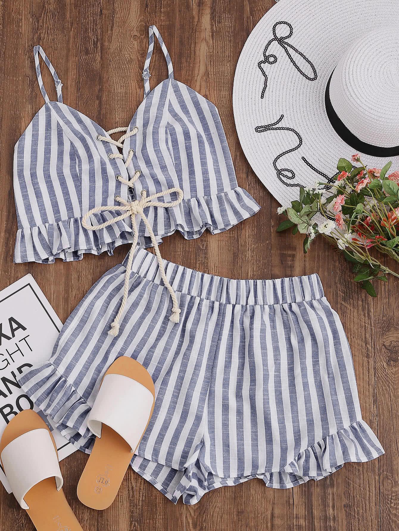 Фото Striped Lace Up Smocked Cami And Ruffle Shorts Co-Ord. Купить с доставкой