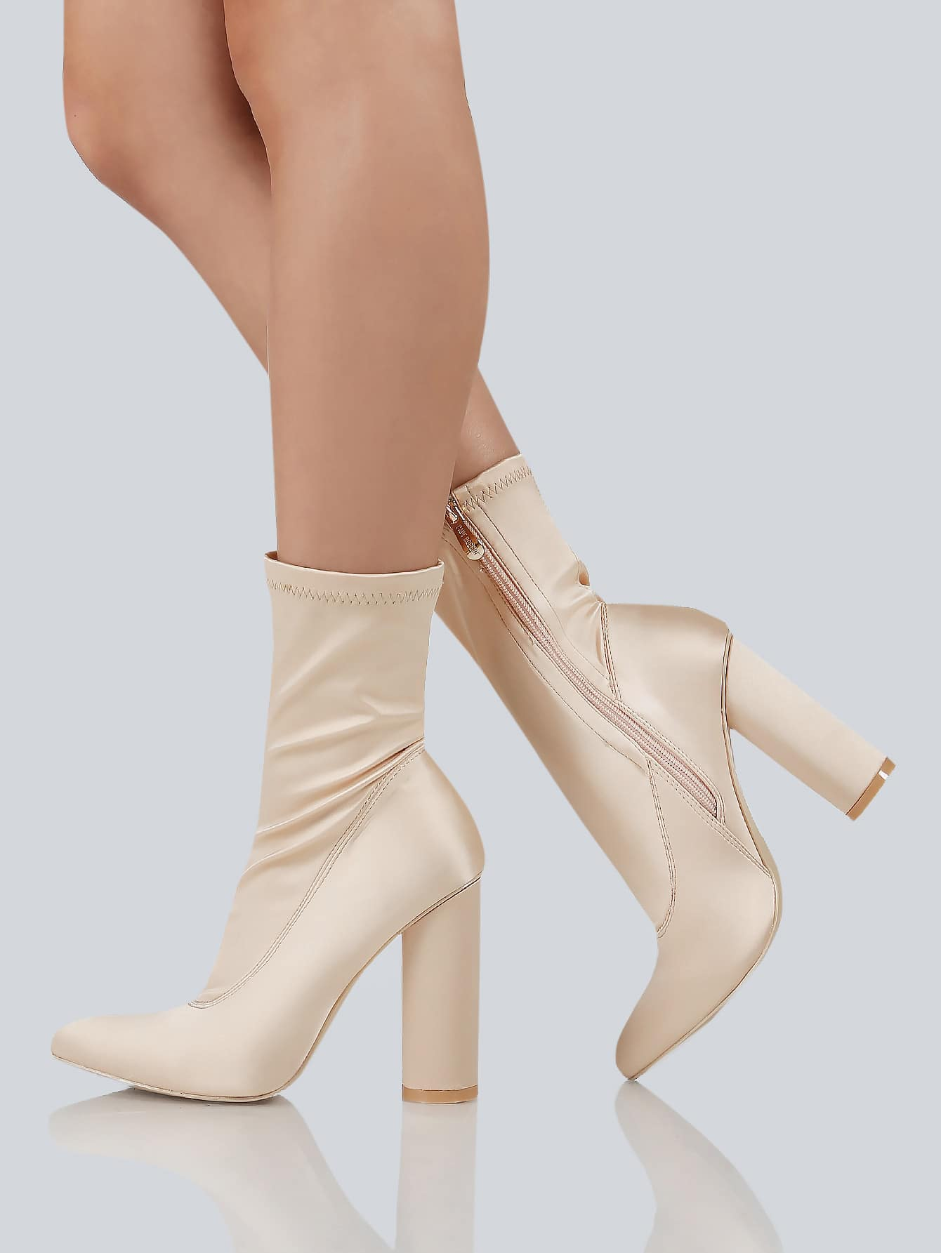 Pointy Toe Cylinder Heel Boots NUDE