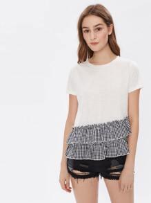 Tee-shirt découpé à étages à carreaux avec des plis