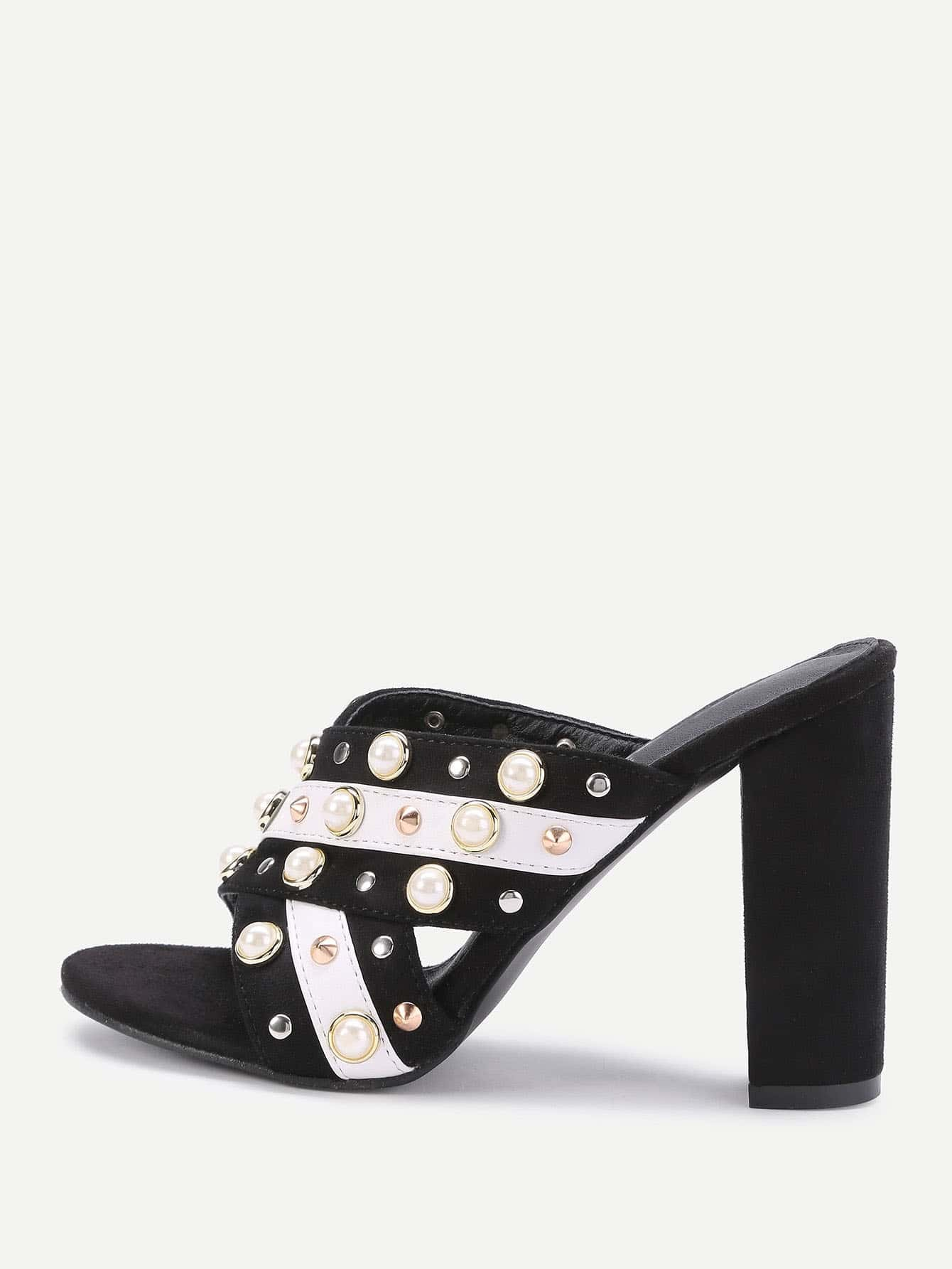 Фото Faux Pearl And Studded Decorated Cross Strap Heeled Sandals. Купить с доставкой