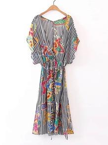 Robe contrastée à rayures avec un lacet