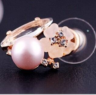 Glod Fish Czech Crystal Globe Pearl Shamrock With Diamond Stud Earrings