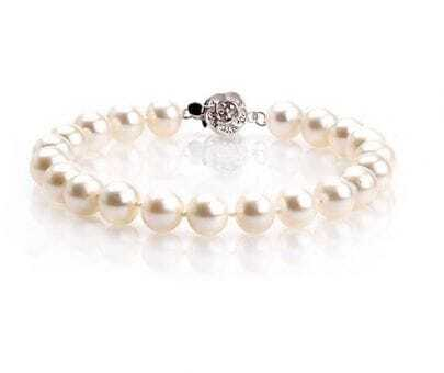 8-9mm White Pearl Plum Flower Button Bracelet