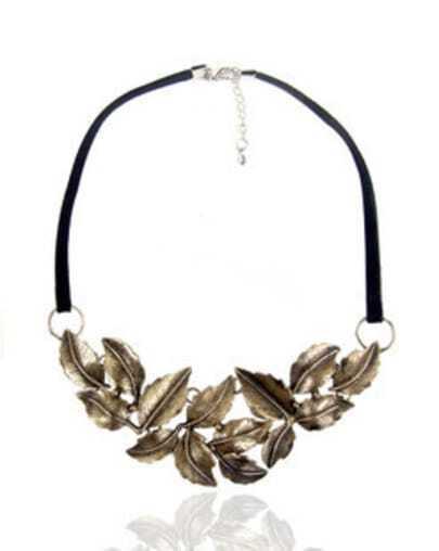 Vintage Simple Flowers Necklace Antique Silver