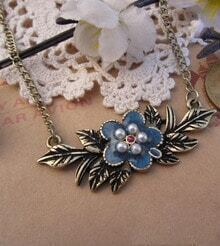 Vintage Flower And Leaves Beads Necklace