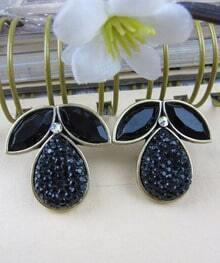 Solid Leaf And Teardrop Earring Black