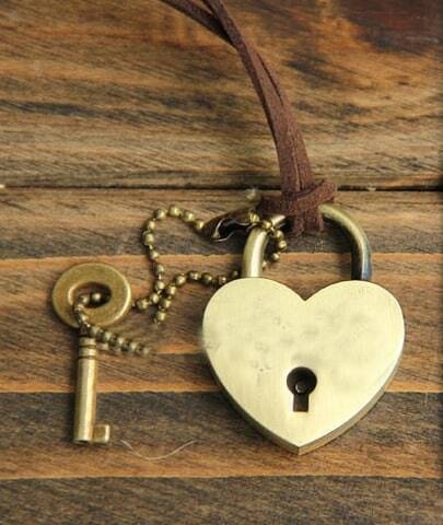 Vintage Love peach heart lock Long Necklace