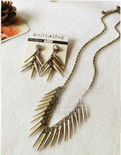 Vintage Small Punk Wind Rivets Long Necklace