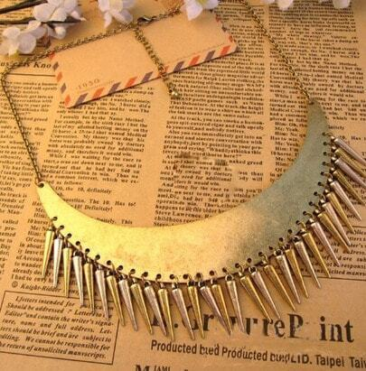 Vintage Moon Shape With Spike Necklace