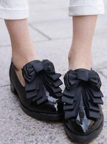 Black Vintage Patent Leather Bow Flat Pumps