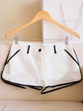 White Low Waist Pocket Shorts With Black Side