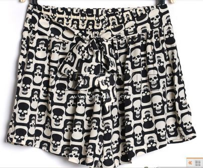 Skull Print Pleated Bow Tie Shorts