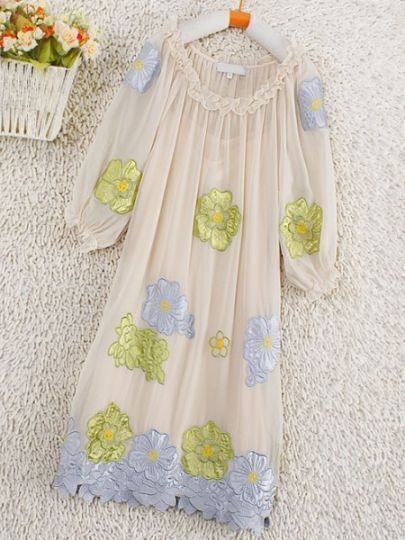 Ivory Round Neck Short Sleeve Floral Pleated Silk Dress