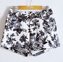 Ink Chrysanthemum Print Pockets Shorts