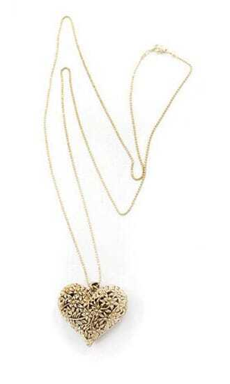 Retro Gold Heart Engraved Flower Image Necklace