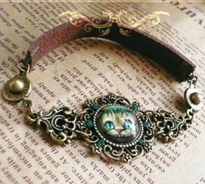 Fashionable Design Charming ALICE CAT Bracelet